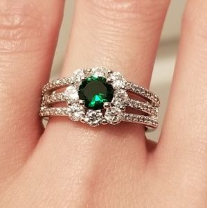 Jewelry - 🆕️Sterling Silver- Emerald & White Sapphire Ring